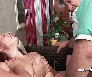 Dviejų mėgėjų sluts dalintis senas penis
